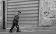 Il vecchio col bastone